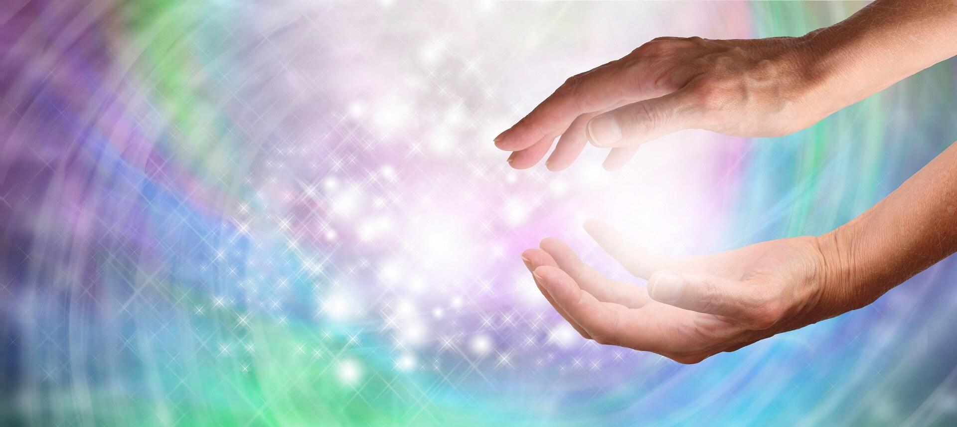La thérapie énergétique est une pratique dans laquelle un thérapeute expérimenté aide le client dans sa quête de guérison.